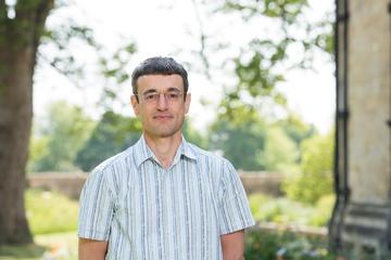 prag image i professor jonathan prag